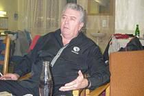 Mike Stapleton, zakládající člen Rolling Stones, nyní žije na Hradecku