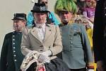 Na zahájení návštěvnické sezony nechyběly dobové uniformy.