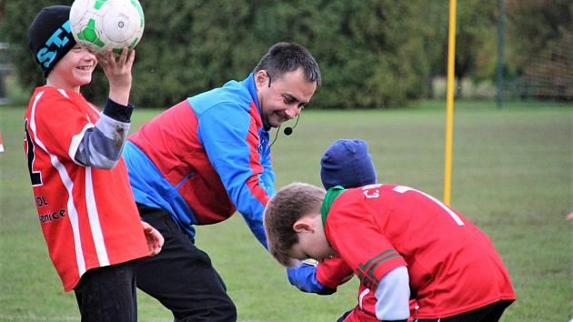 Trenér mládeže Míl: Fotbalem musíme děti bavit, nemůžeme jim ho zprotivit