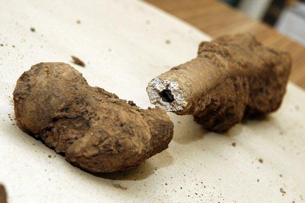Lidské kosterní ostatky z obce Holohlavy