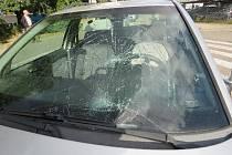 Koloběžkáři dodržujete předpisy! Nehoda v Hradci Králové