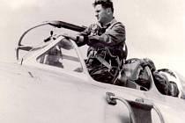 Miloslav Moráček pilotoval v 60. letech cvičný letou UTI – Mig 15.