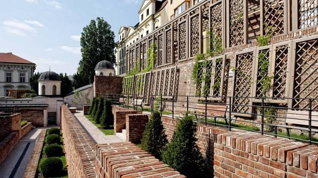 Zrekonstruované terasy v Hradci Králové.