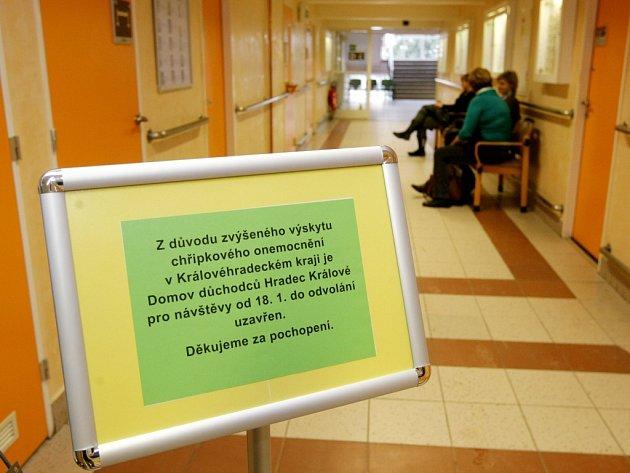 Zákaz návštěv v hradeckém domově důchodců.
