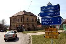 V sobotu 29. března brzy ráno došlo ve Starém Bydžově k dramatické přestřelce u místní pošty. Do objektu se vloupal zloděj, ze kterého se vyklubal propuštěný vrah.