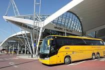 Terminál autobusové a městské hromadné dopravy v Hradci Králové.