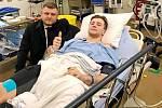 Hradecký hokejový obránce Michael Gaspar se zotavuje po zranění, které si přivodil na konci prosince na mistrovství světa hráčů do dvaceti let.