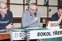 Uprostřed dosavadní předseda OFS Martin Zbořil.