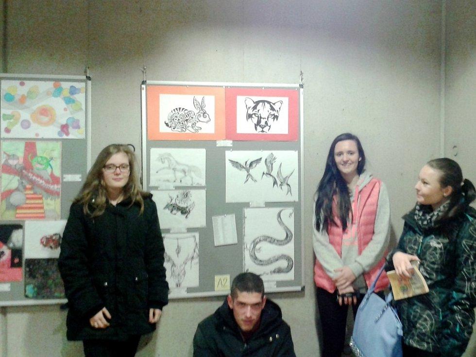 Výstava INTRExpo pořádaná DMIŠJ Vocelova (Domov mládeže, internát a školní jídelna z Hradce Králové).
