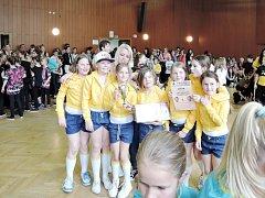 Třebechovická taneční skupina M.A.D. Style při soutěži ve Dvoře Králové nad Labem.