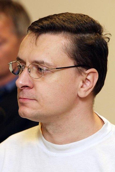 Soud s Jiřím Cimbálem.