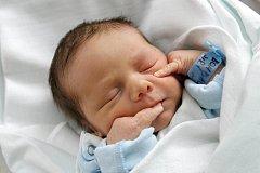 Jiří Bohdal se narodil 23. srpna v 15.15 hodin. Měřil 48 centimetrů a vážil 2880 gramů. S maminkou Simonou Bohdalovou a tatínkem Jiřím Panchártkem bydlí v Kratonohách.