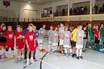 Fotbalový AP Tour Cup mladších žáků v hale SŠTŘ Hlušice.