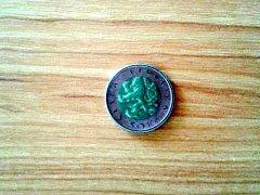 Padělaná padesátikorunová mince.