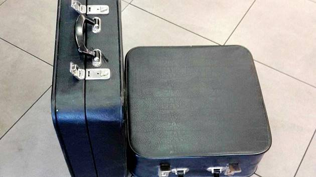 Podezřelé kufříky byly prázdné.