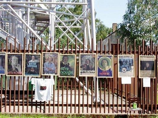 Část výstavy plakátů na Chlumu v roce 2007.
