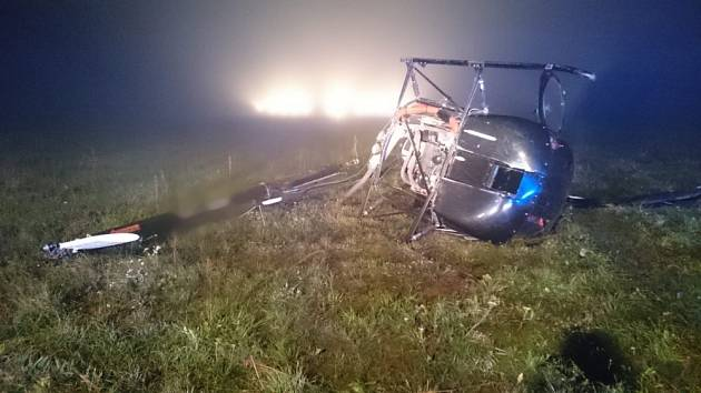 Na hradeckém letišti spadl vrtulník