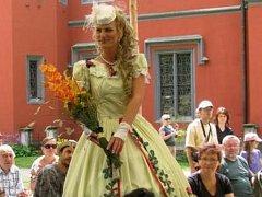 Zahradní slavnost a Květinová show na zámku Hrádek u Nechanic.