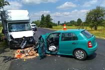 Dopravní nehoda osobního automobilu a dodávky u Třebechovic pod Orebem.