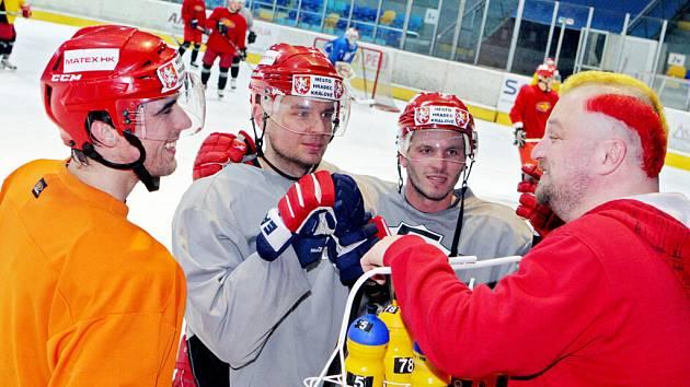 Máser hokejového mužstva HC VCES Hradec Králové Martin Kratochvíl.