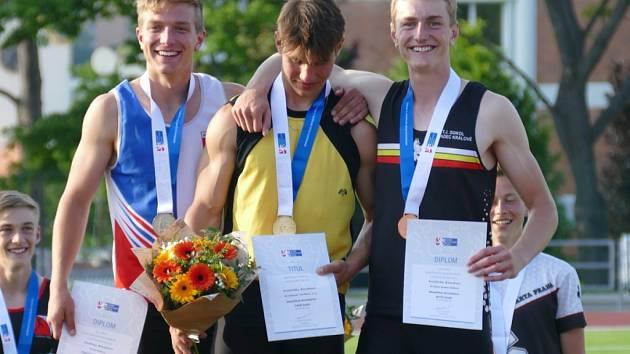 Nejlepší dorostenci - zleva: Mikeš, Dubek, Kloud.