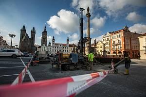 Průzkumné vrty na Velkém náměstí v Hradci Králové