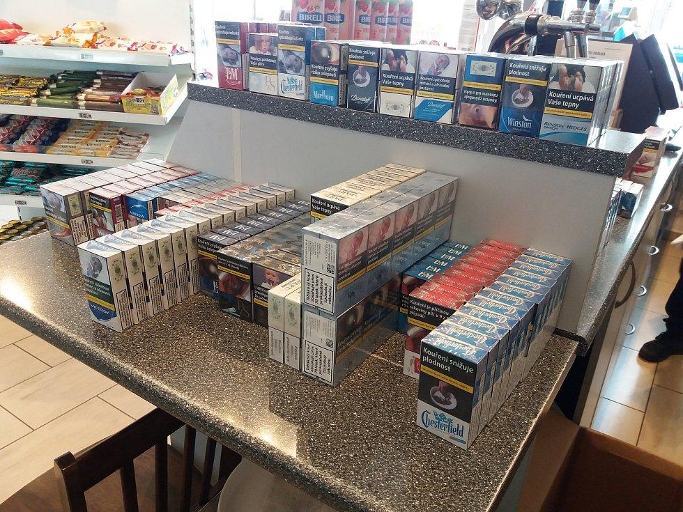 Celníci odhalili na území kraje tisíce padělaných cigaret.
