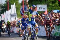 Takto se před rokem v Trnavě radoval z cenného prvenství František Sisr. Sedmadvacetiletý cyklista hradecké stáje Elkov Kasper toužil úspěch zopakovat i v Opočně.