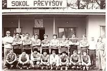 Vítězové okresního přeboru v roce 1984. Oslavy 100 let založení SK Převýšov se konají již tuto sobotu od 10 hodin.