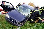 Střet osobního automobilu s kamionem na silnici I/11 nedaleko odbočky na Kratonohy.