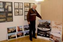 Výstava výtvarných prací známého českého architekta Milana Rejchla v galerii Na Hradě na Velkém náměstí v Hradci Králové.