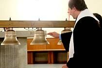 Svěcení dalších pěti zvonů pro koncertní zvonohru.