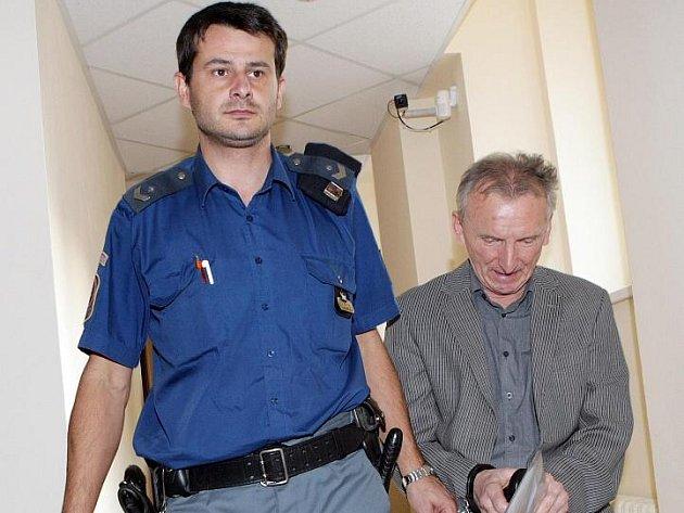 Jan Johann Erben obžalovaný ze znásilnění vlastního syna.