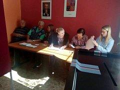 Volební místnost v Pšánkách.