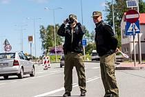 Policejní kontroly na česko-polské hranici v Náchodě.