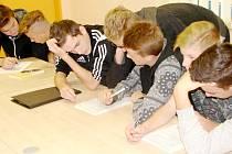 Teoretický seminář mladých okresních rozhodčích fotbalu.