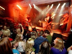 Ústecká partička UDG zahrála v hradeckém rockovém klubu U Cikána.