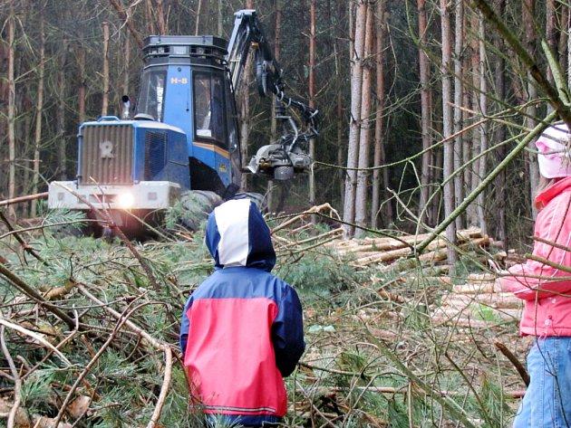 Dny techniky vhradeckých lesích uMazurovy chalupy.