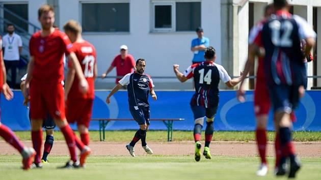 Prohra, ale se vztyčenou hlavou. Španělé byli lepší, uznali hráči i trenér.
