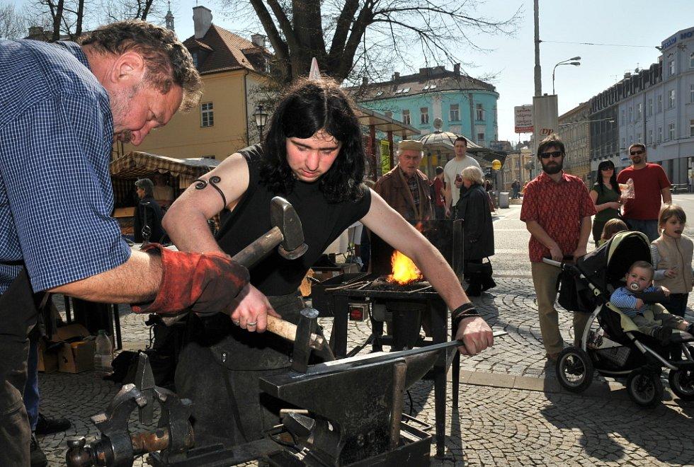 Velikonoční trhy konané v Hradci Králové 4. dubna 2009.