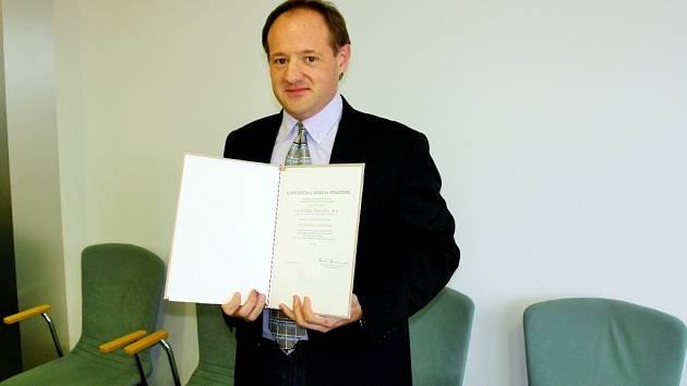 Manuel Miró jako hostující profesor na Farmaceutické fakultě Univerzity Karlovy v Hradci Králové.