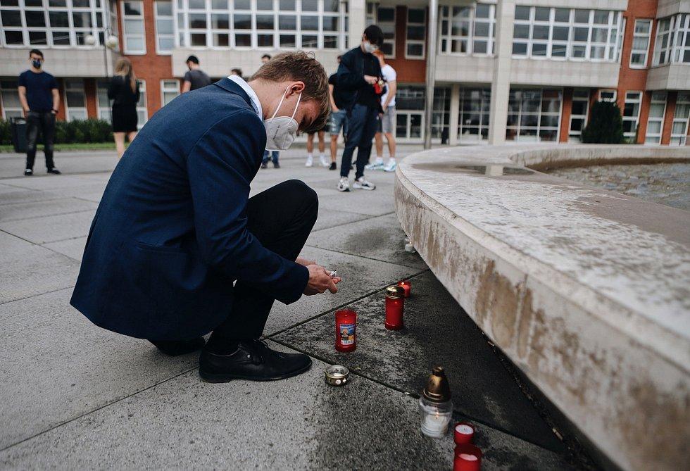 Studenti UHK uctili památku obětí covidu