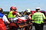 Prověřovací cvičení složek integrovaného záchranného systému na dálnici D11 u Hradce Králové.