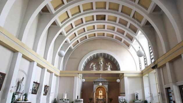 Kostel Božského Srdce Páně na Pražském Předměstí