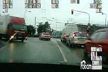 Pronásledování kradeného automobilu.