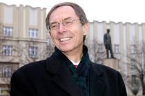 Kandidát na prezidenta ČR Jan Švejnar navštívil krajské město Hradec Králové.