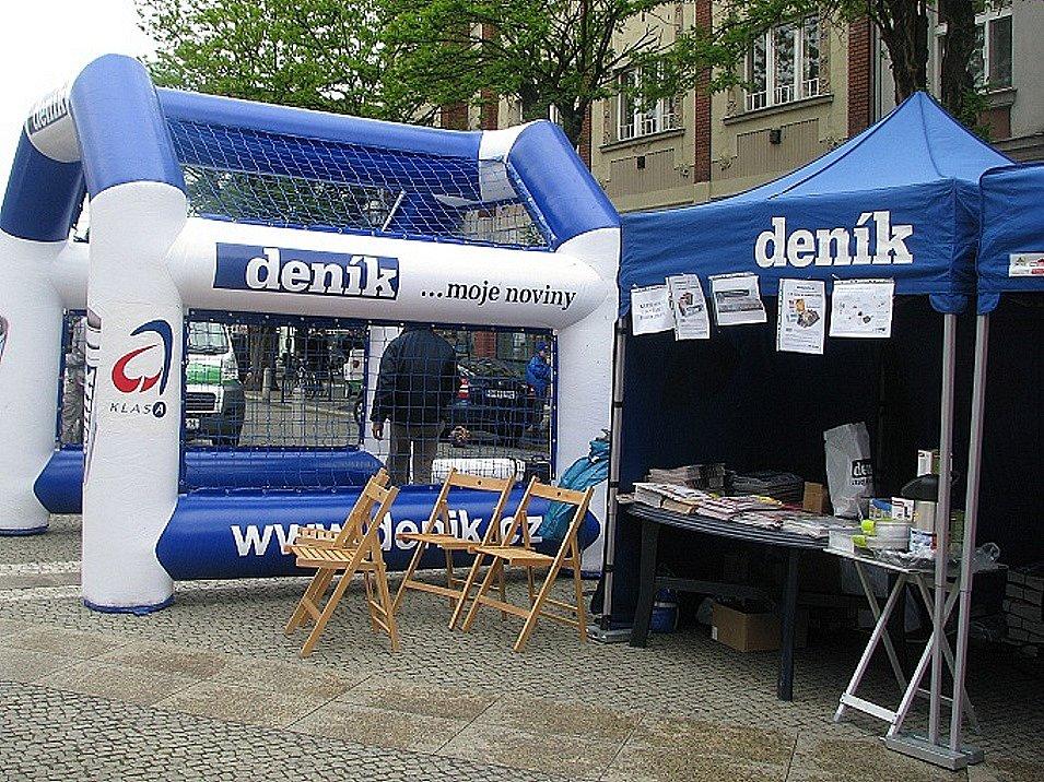 Prima Den s Deníkem v Hradci Králové na Baťkově náměstí 6. května 2009.