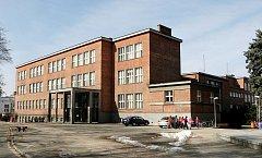 Stavby Josefa Gočára: Základní škola V Lipkách