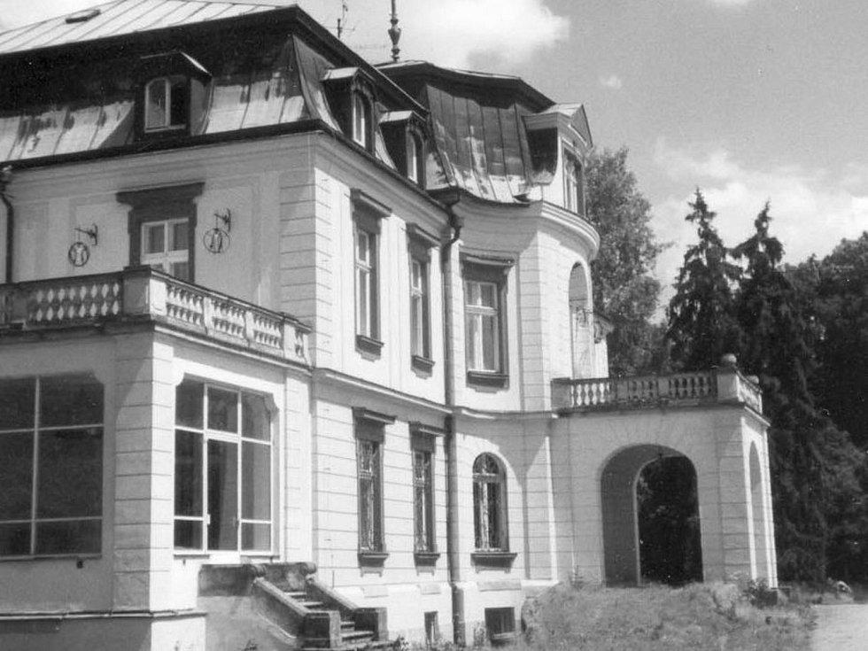 Jak jsme žili v Československu: Myštěves.