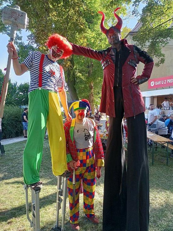 Strašidelný food festival se uskutečnil vměstském parku U Svaté Trojice vNovém Bydžově. Foto: Patrik Palátka